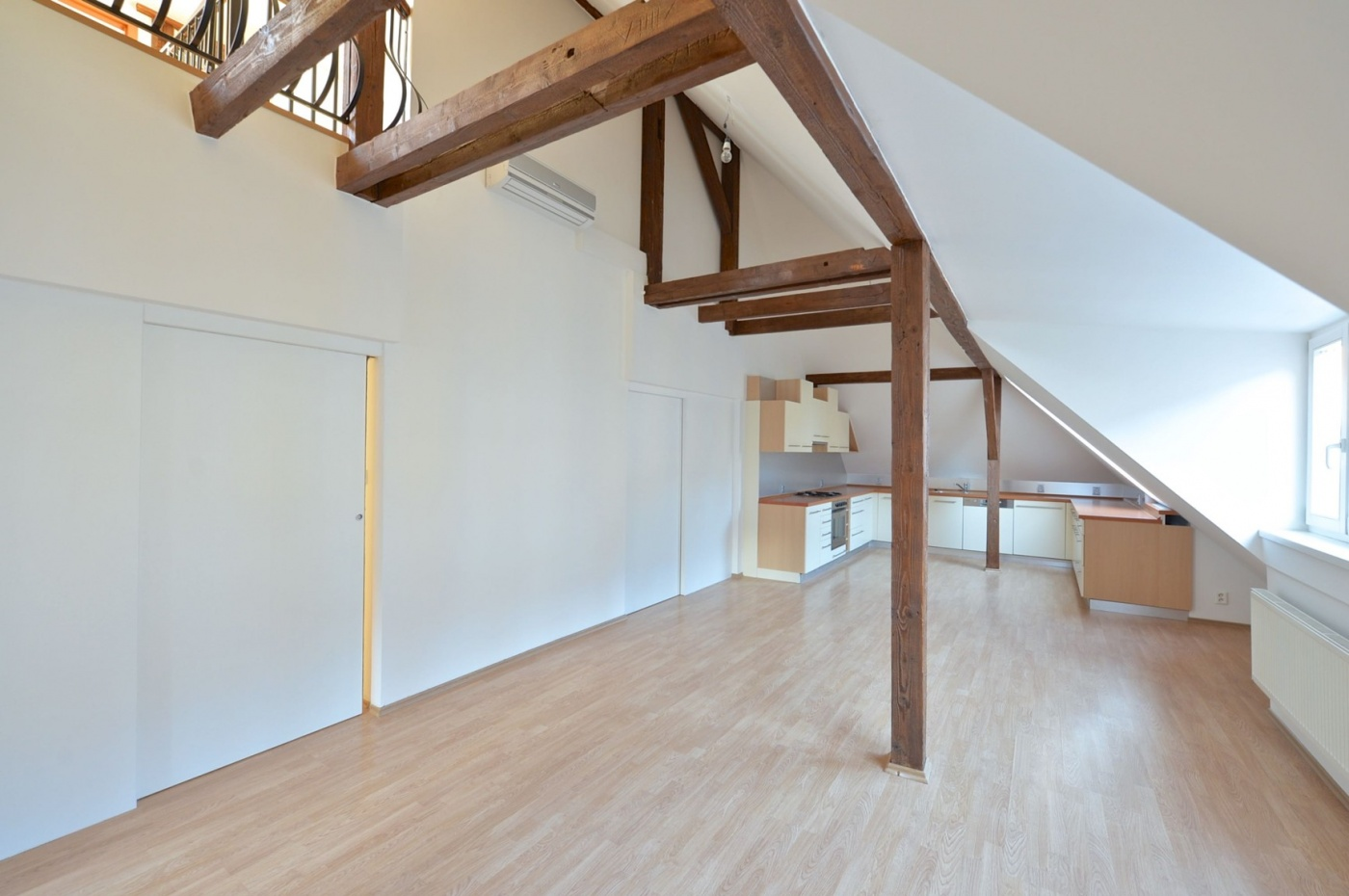 Půdní byt 4+kk, plocha 145 m², ulice Hradeckých, Praha 4 - Nusle | 1