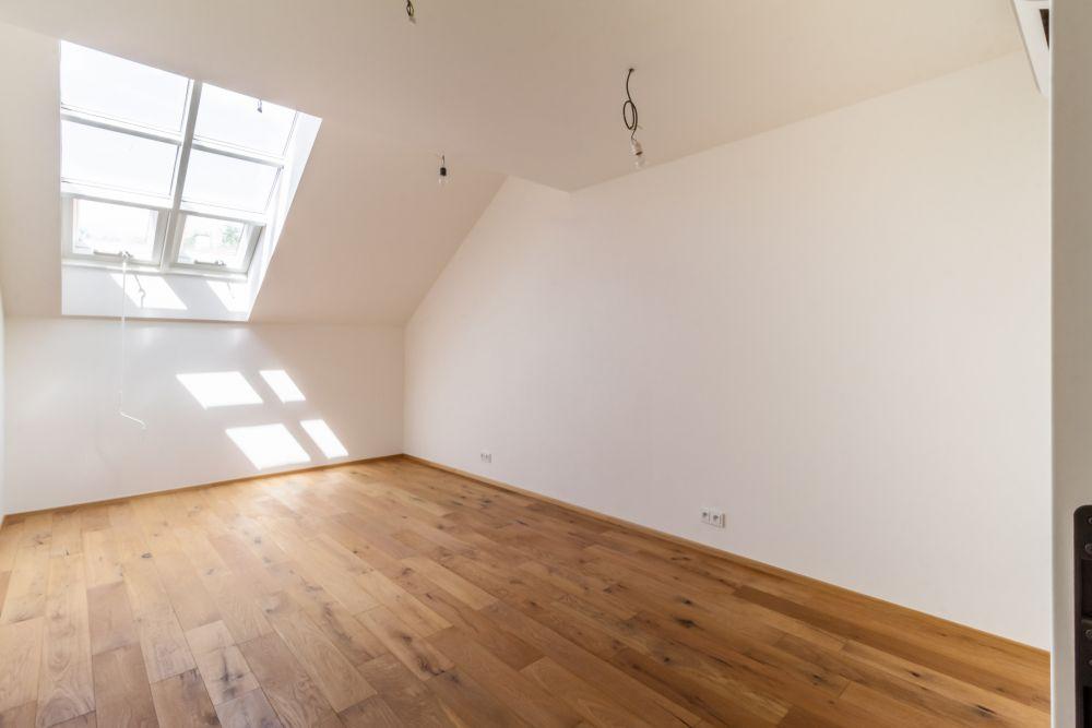 Pokoj podkrovního bytu - developerský projekt Husitská, ulice Husitská, Praha 3 - Žižkov | 5
