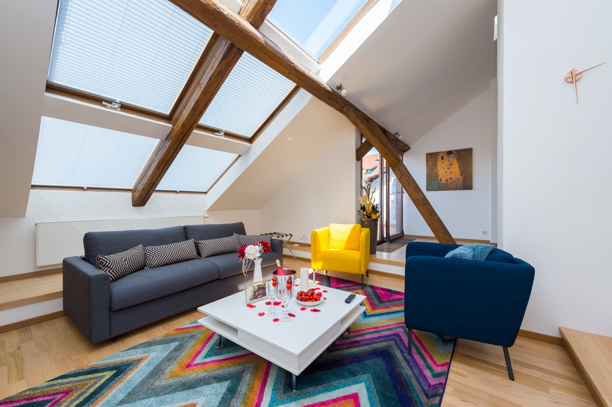 Půdní byt 4+kk, plocha 196 m², ulice Pohořelec, Praha 1 - Hradčany | 1