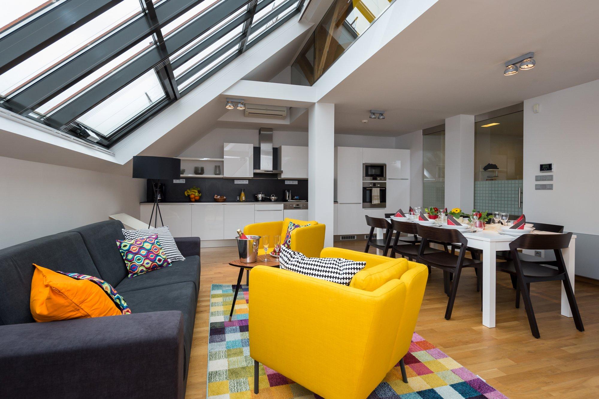 Půdní byt 4+kk, plocha 143 m², ulice Růžová, Praha 1 - Nové Město | 1