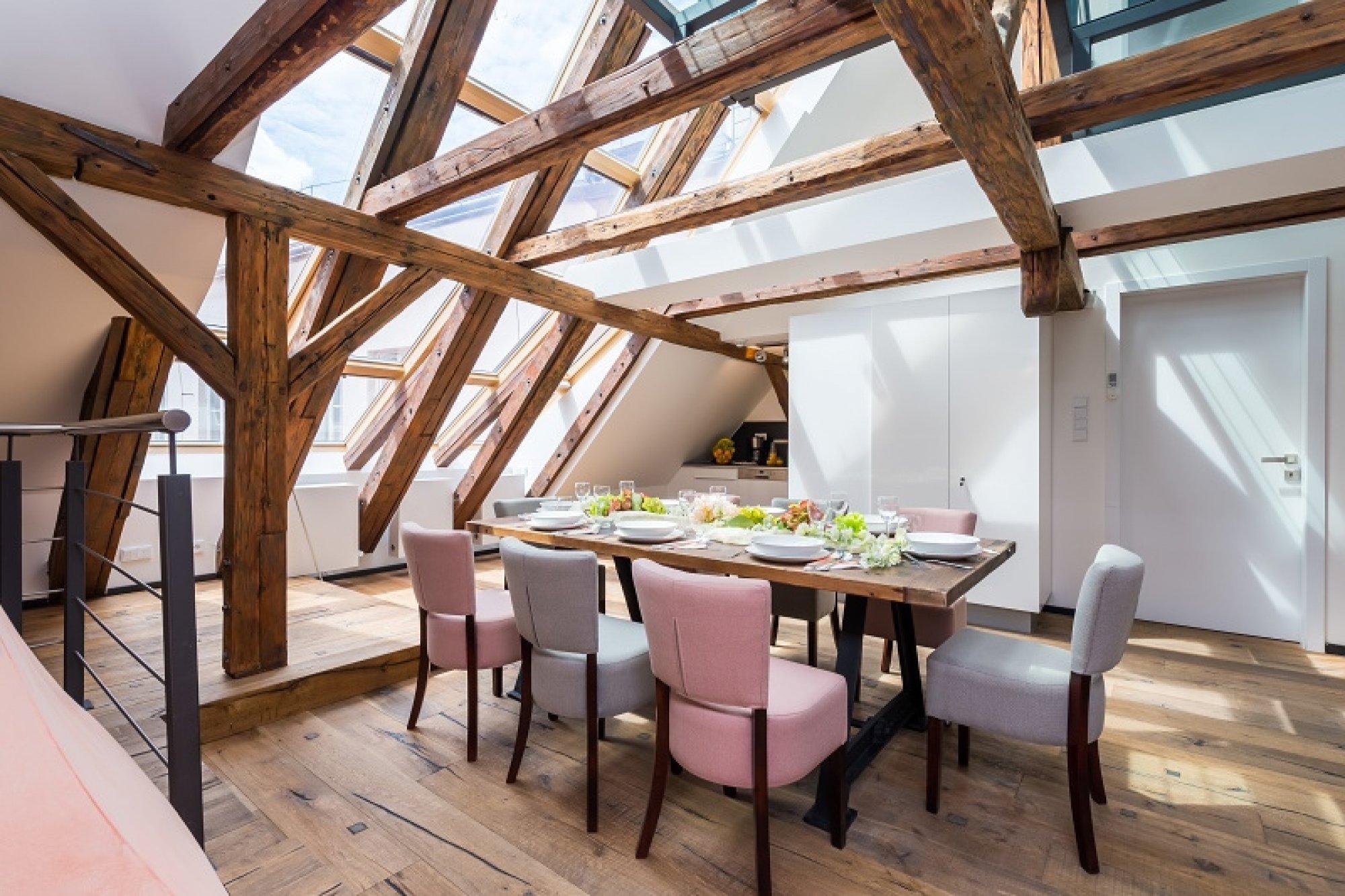 Půdní byt 4+kk, plocha 194 m², ulice Tržiště, Praha 1 - Malá Strana | 1