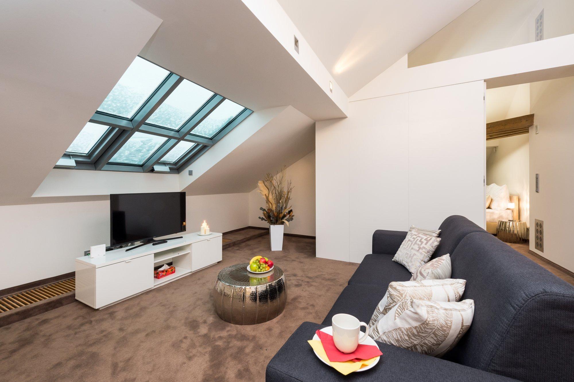 Půdní byt 4+kk, plocha 199 m², ulice Šeříková, Praha 1 - Malá Strana | 2