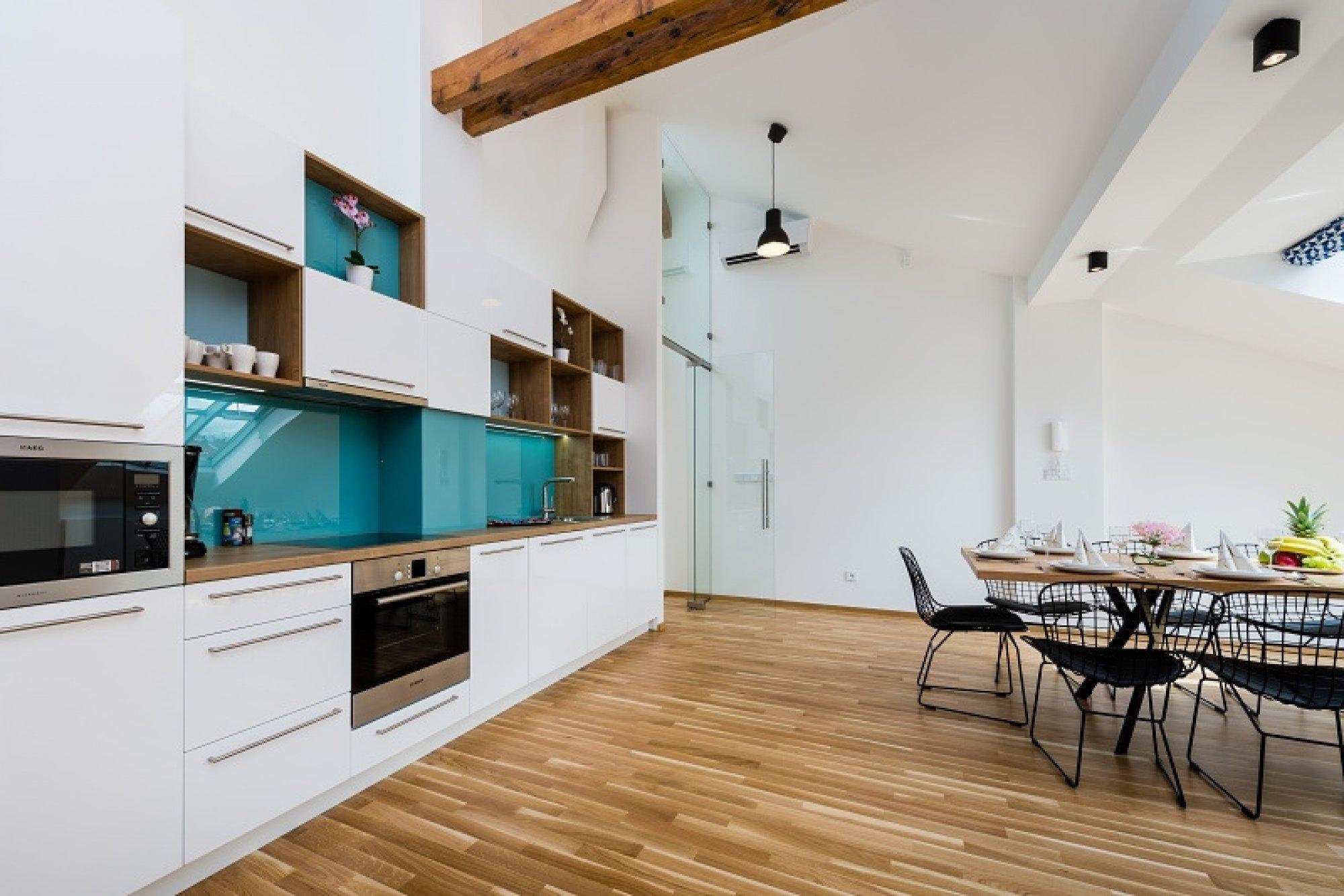 Půdní byt 6+kk, plocha 247 m², ulice U Bulhara, Praha 1 - Nové Město | 2