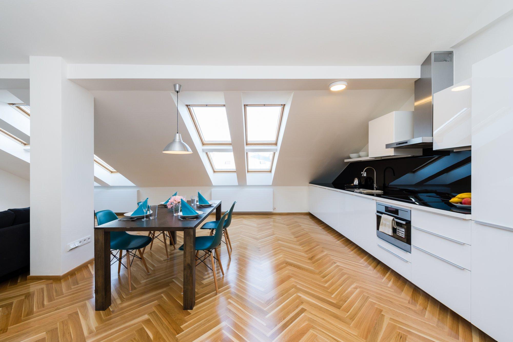 Půdní byt 2+kk, plocha 95 m², ulice U Bulhara, Praha 1 - Nové Město | 2