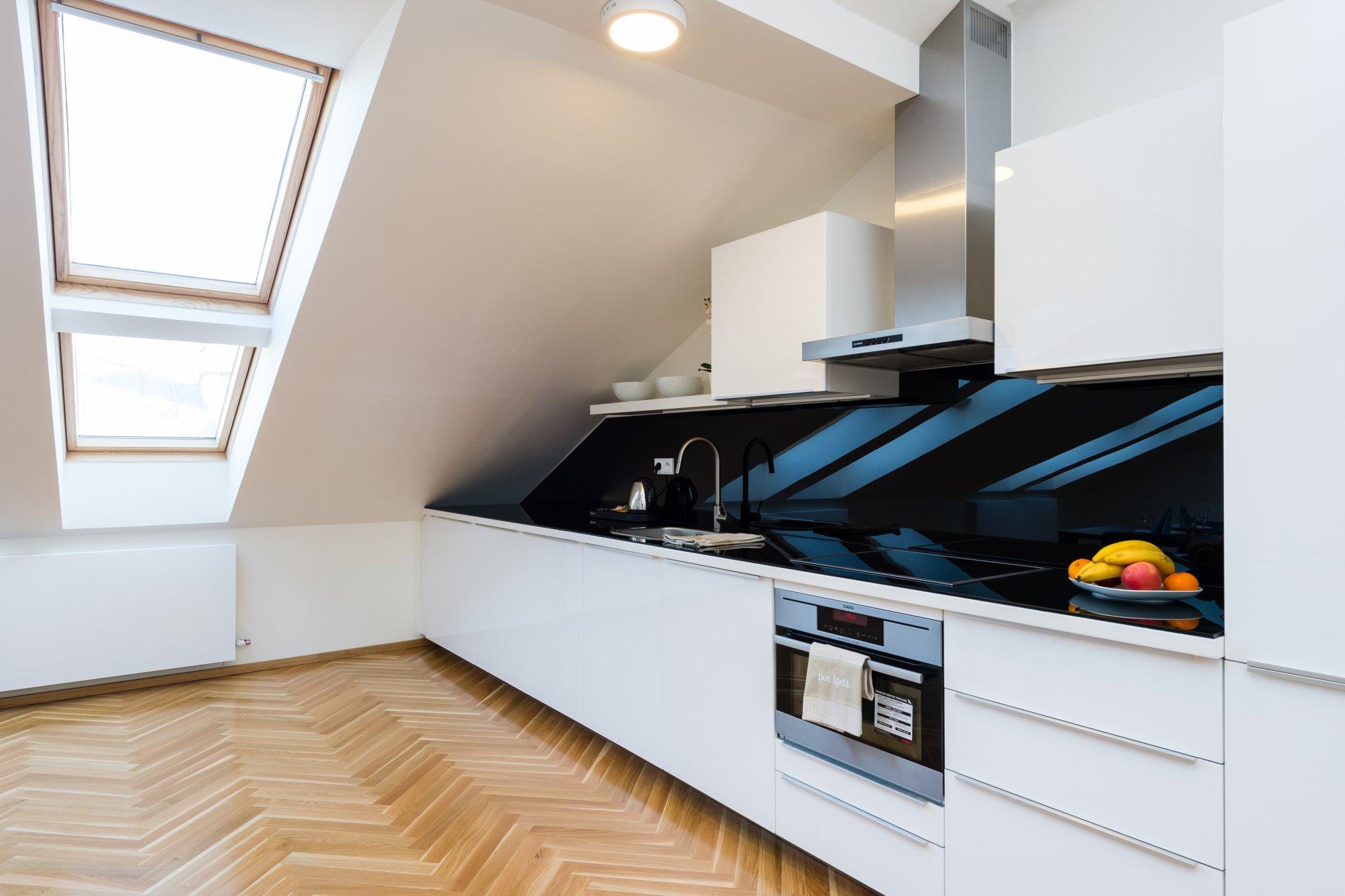 Půdní byt 2+kk, plocha 95 m², ulice U Bulhara, Praha 1 - Nové Město | 3