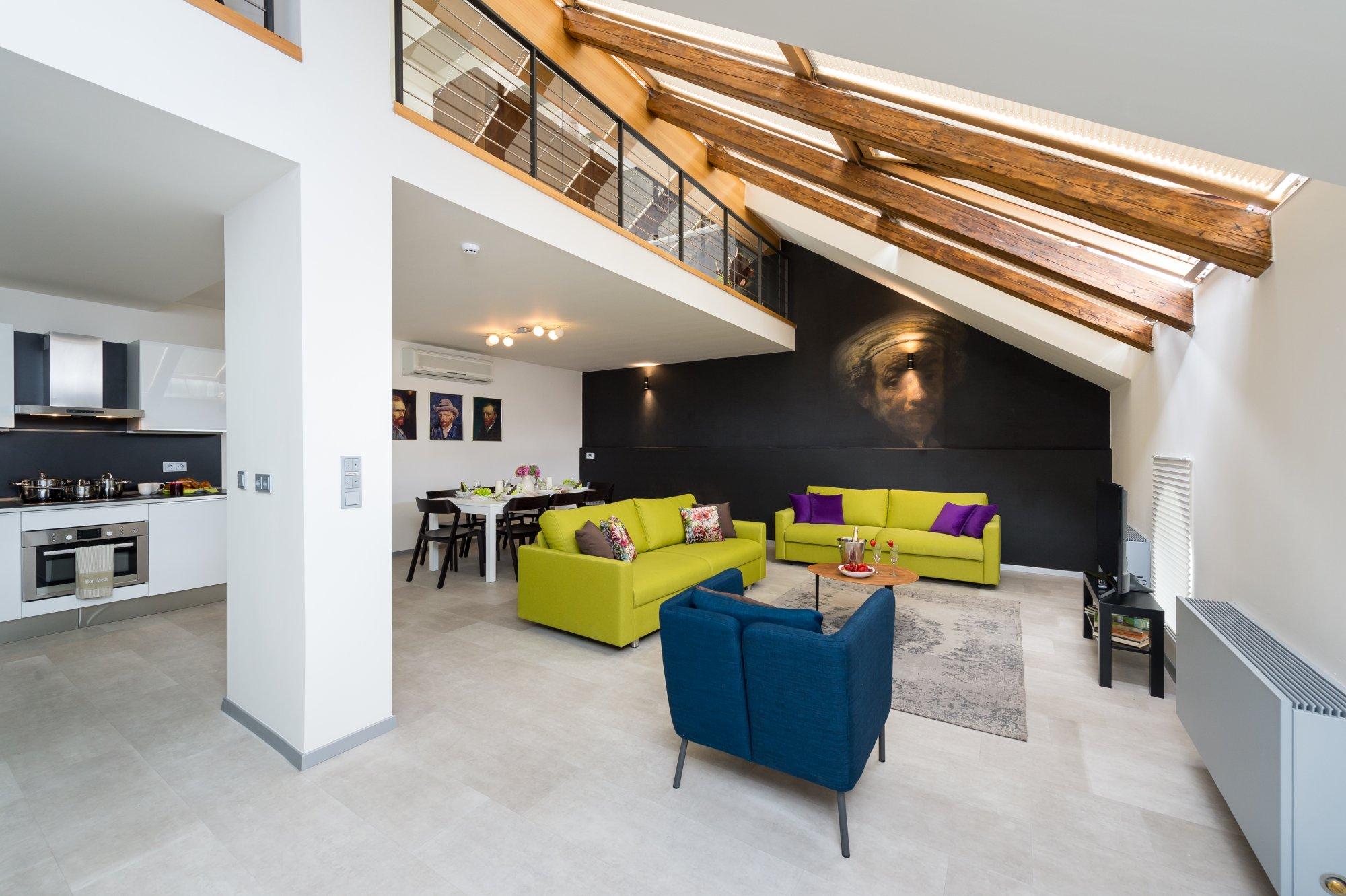 Půdní byt 5+kk, plocha 141 m², ulice U Půjčovny, Praha 1 - Nové Město | 1