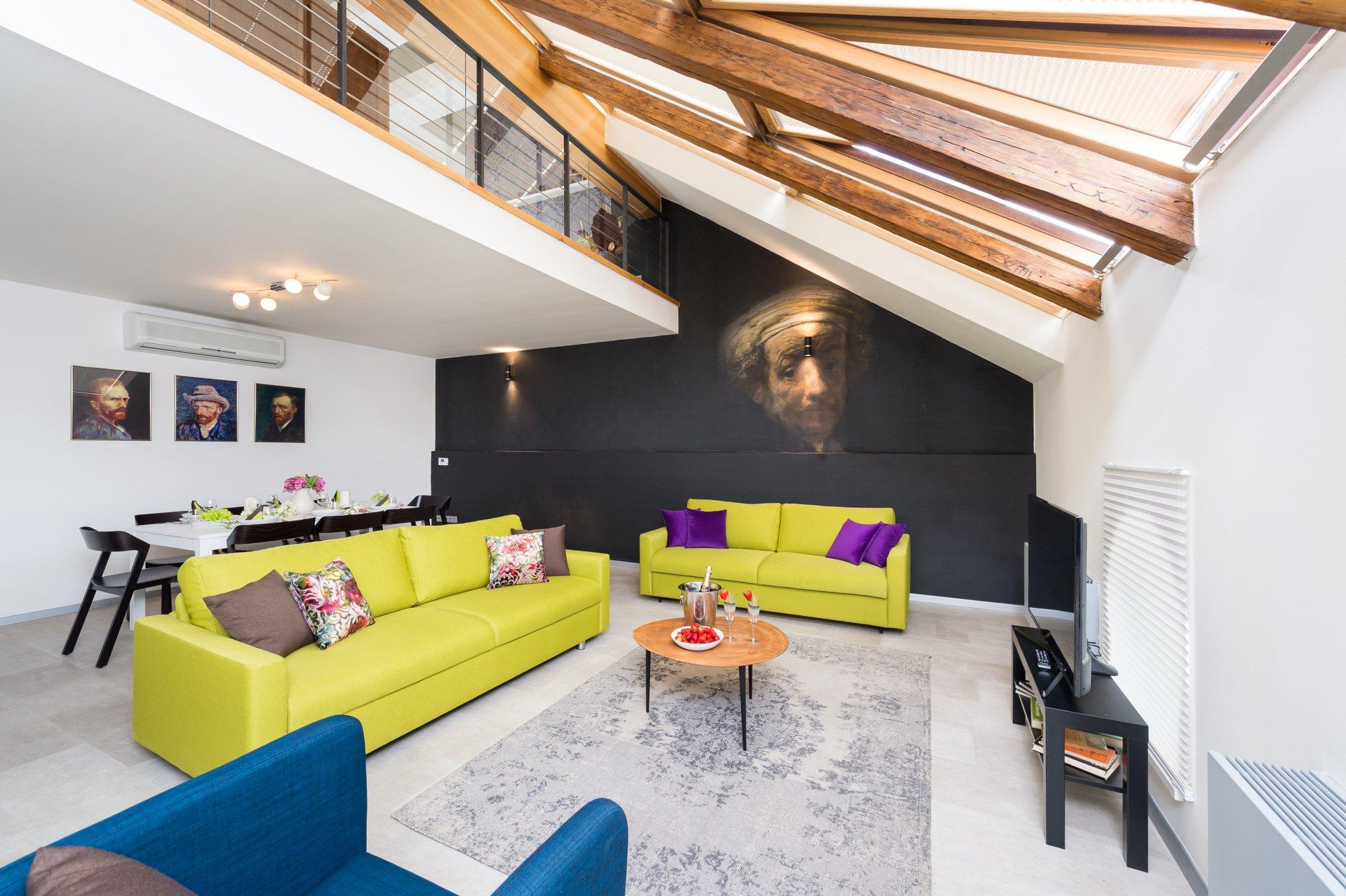 Půdní byt 5+kk, plocha 141 m², ulice U Půjčovny, Praha 1 - Nové Město | 2