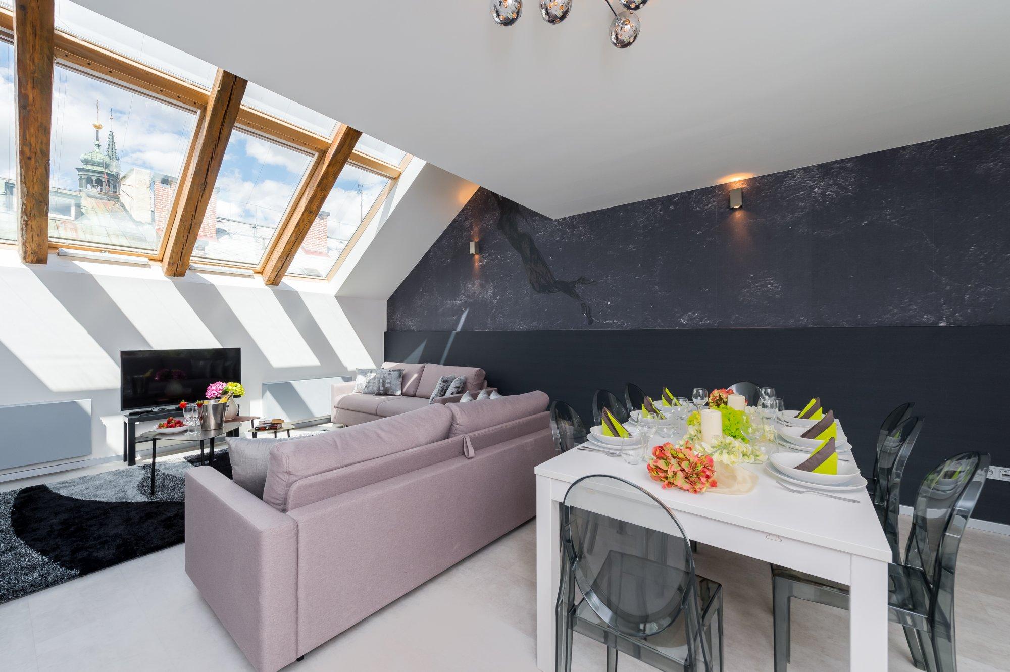 Půdní byt 5+kk, plocha 132 m², ulice U Půjčovny, Praha 1 - Nové Město | 2