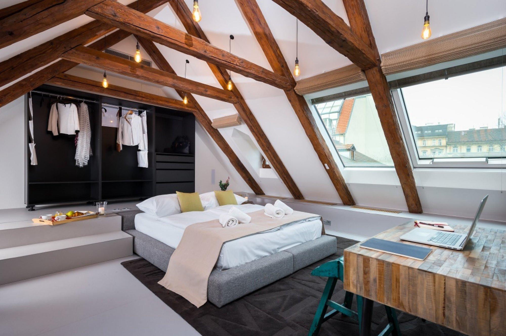 Půdní byt 4+kk, plocha 199 m², ulice V Jirchářích, Praha 1 - Nové Město | 3