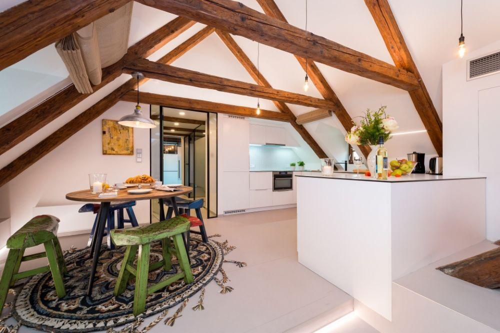 Půdní byt 4+kk, plocha 199 m², ulice V Jirchářích, Praha 1 - Nové Město | 4