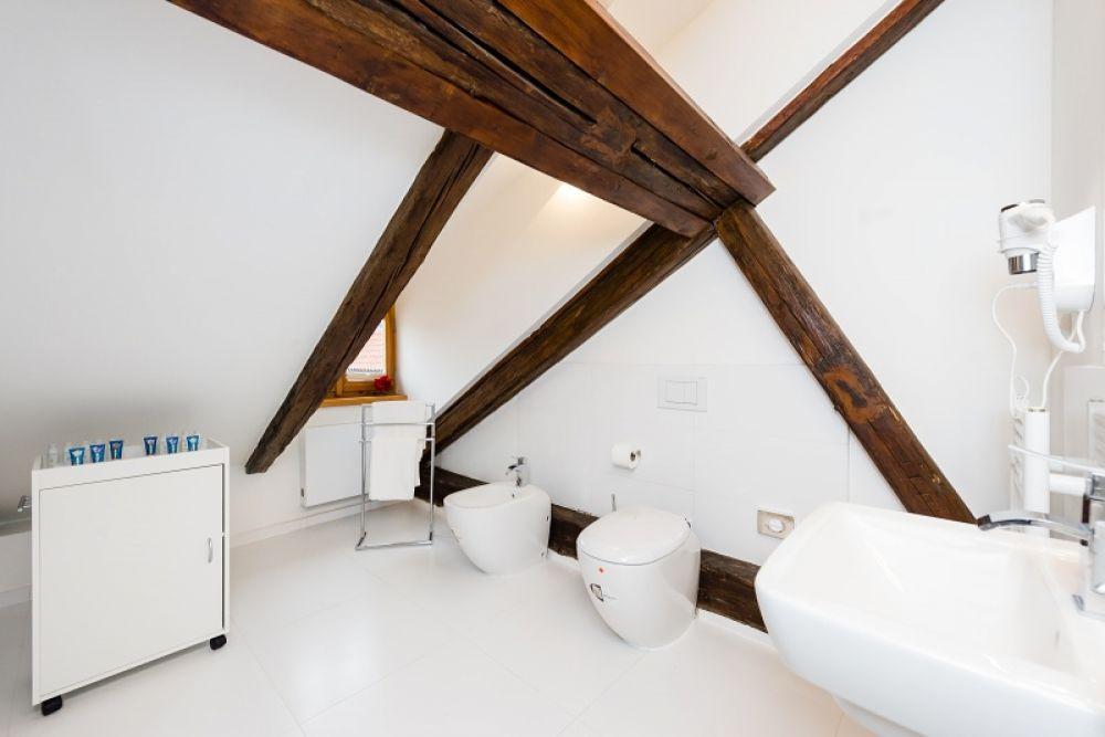 Půdní byt 2+kk, plocha 127 m², ulice Thunovská, Praha 1 - Malá Strana | 9