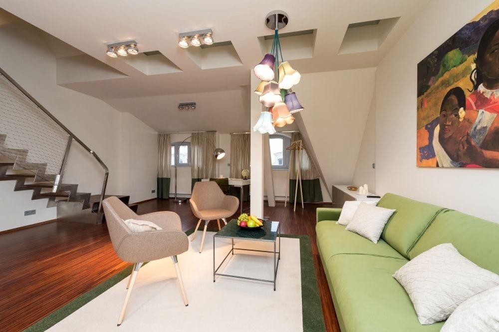 Půdní byt 3+1, plocha 122 m², ulice Vojtěšská, Praha 1 - Nové Město | 1