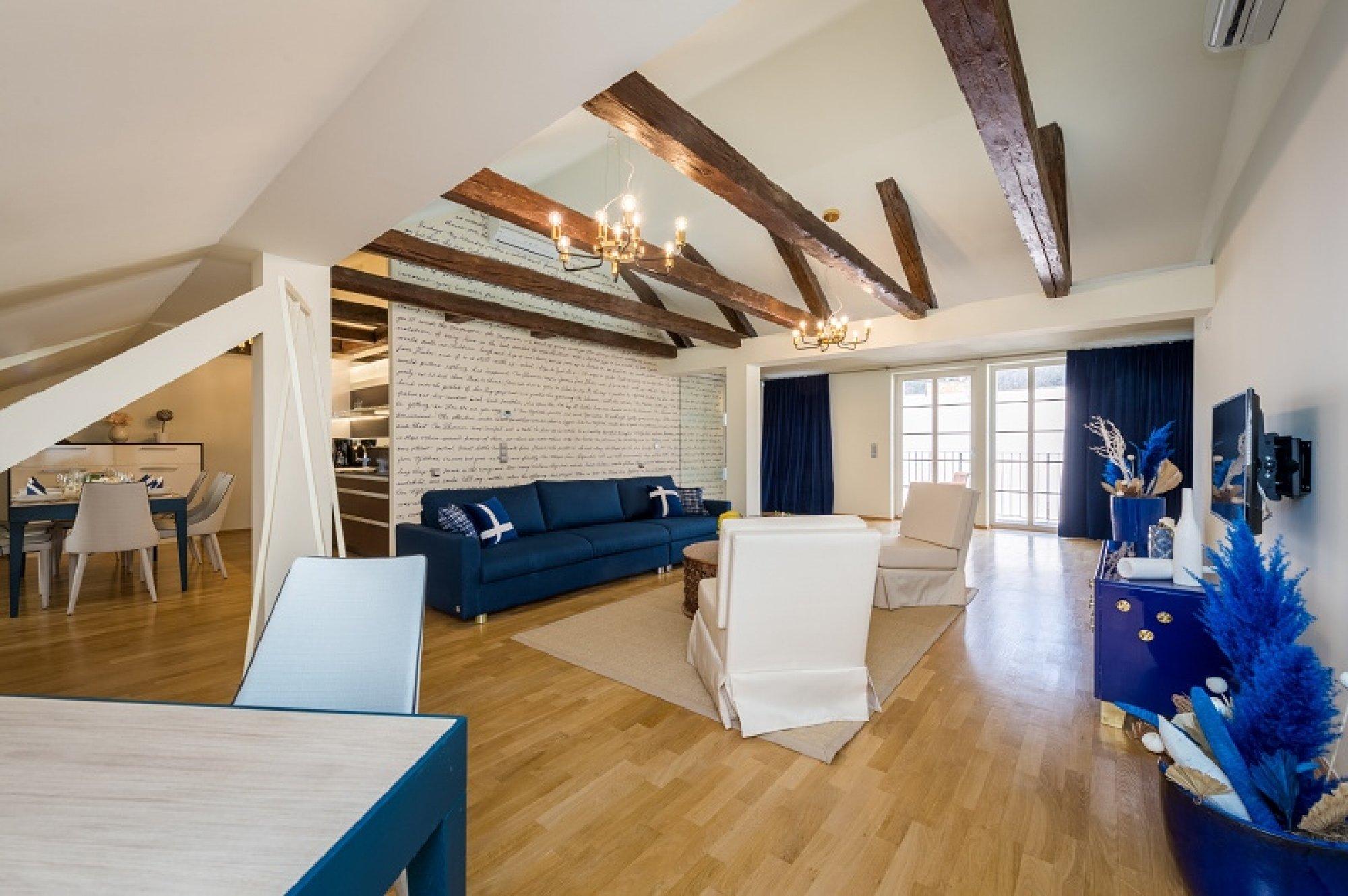 Půdní byt 4+kk, plocha 213 m², ulice Vítězná, Praha 1 - Malá Strana | 1
