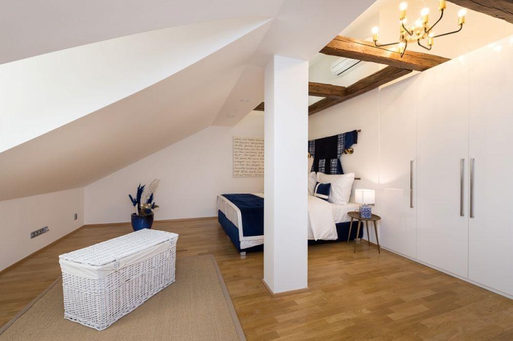 Půdní byt 4+kk, plocha 213 m², ulice Vítězná, Praha 1 - Malá Strana | 13