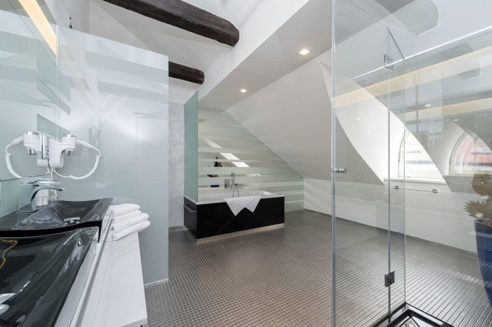 Půdní byt 5+kk, plocha 281 m², ulice Vítězná, Praha 1 - Malá Strana | 10