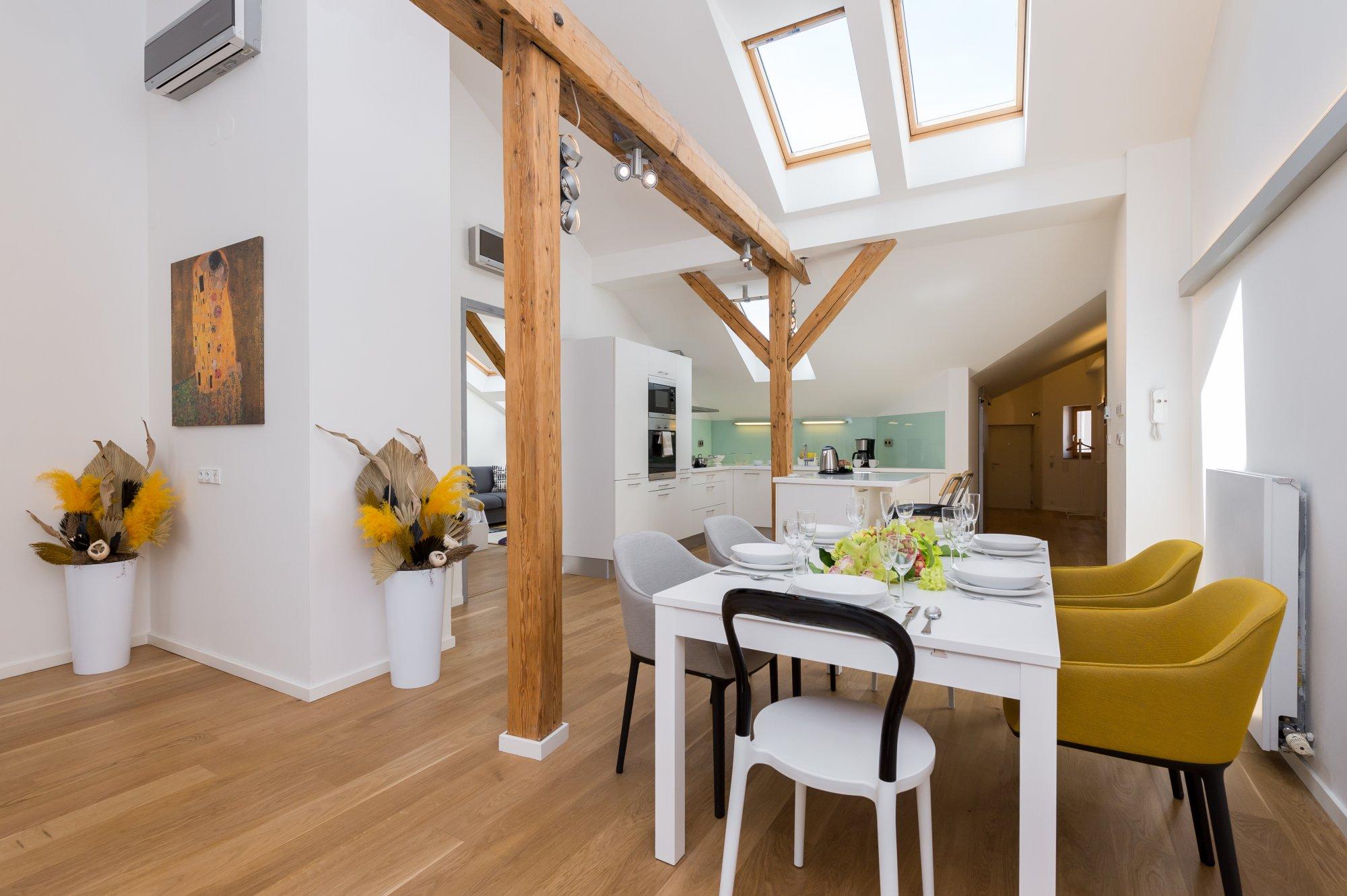 Půdní byt 3+kk, plocha 132 m², ulice Spálená, Praha 1 - Nové Město | 2