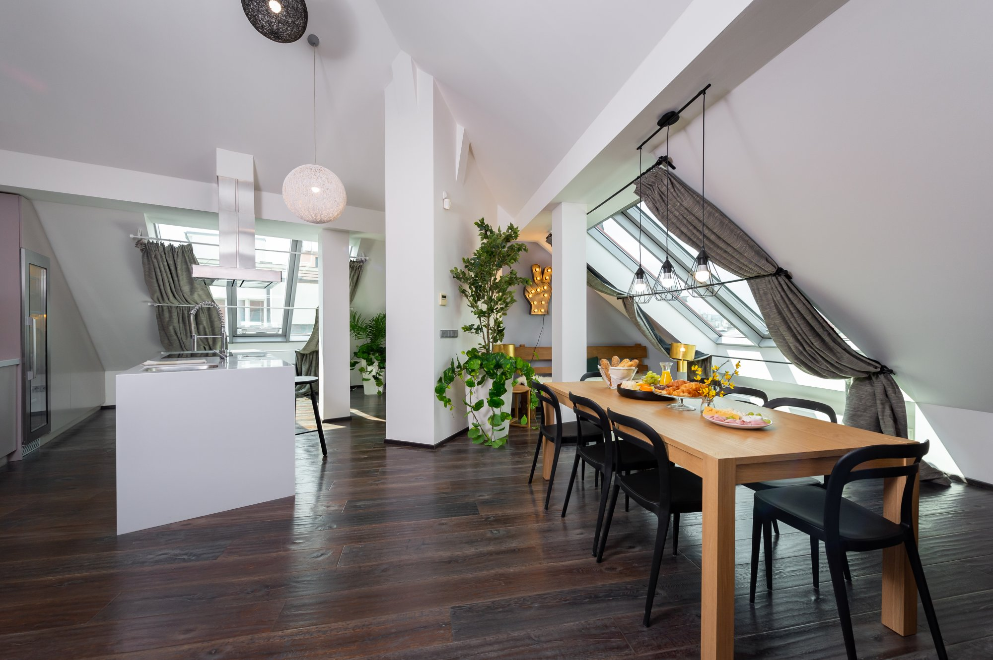 Půdní byt 4+kk, plocha 171 m², ulice Navrátilova, Praha 1 - Nové Město | 1