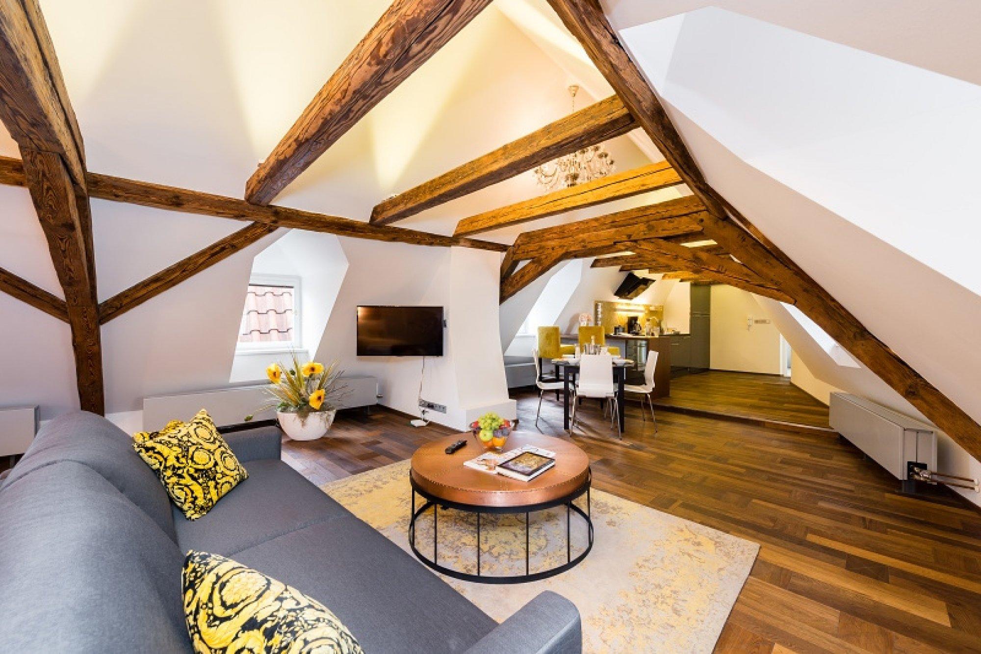 Půdní byt 1+kk, plocha 113 m², ulice Malostranské náměstí, Praha 1 - Malá Strana | 1