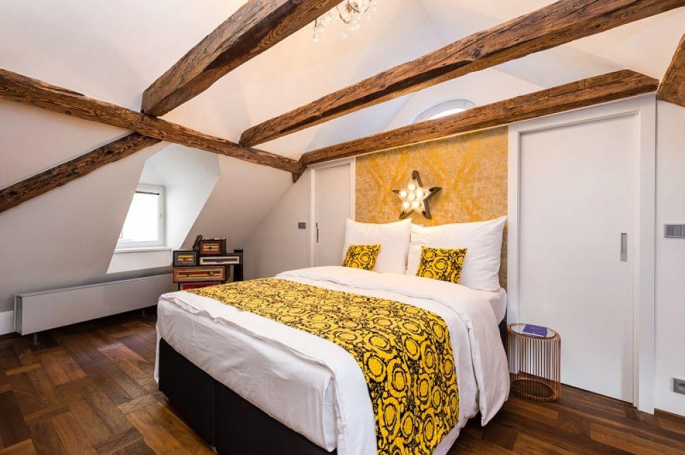 Půdní byt 1+kk, plocha 113 m², ulice Malostranské náměstí, Praha 1 - Malá Strana | 7
