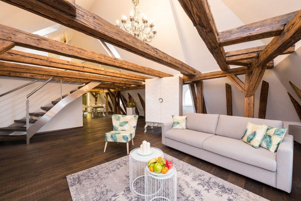 Půdní byt 2+kk, plocha 145 m², ulice Malostranské náměstí, Praha 1 - Malá Strana | 1