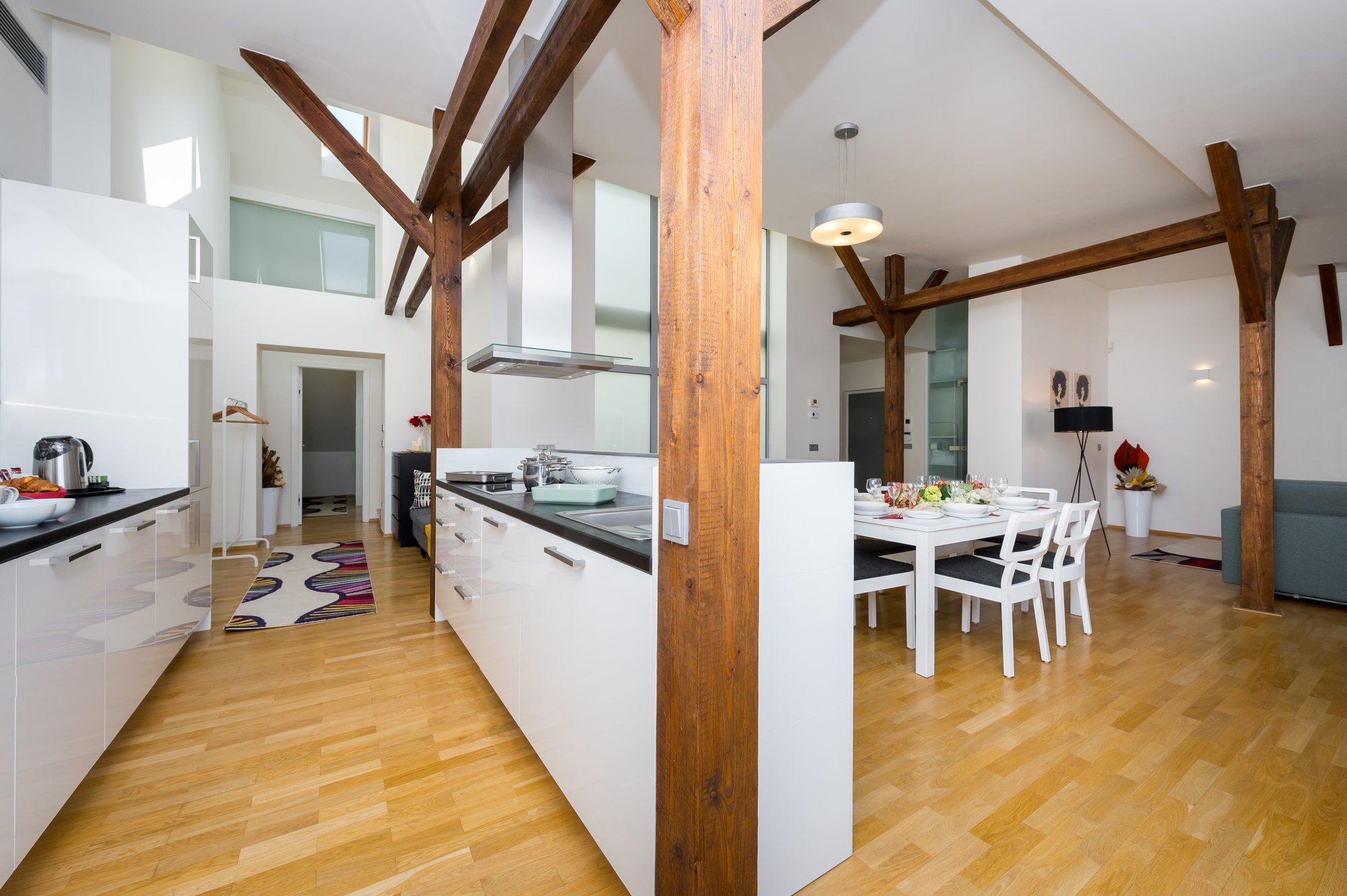 Půdní byt 3+kk, plocha 133 m², ulice Hellichova, Praha 1 - Malá Strana | 1