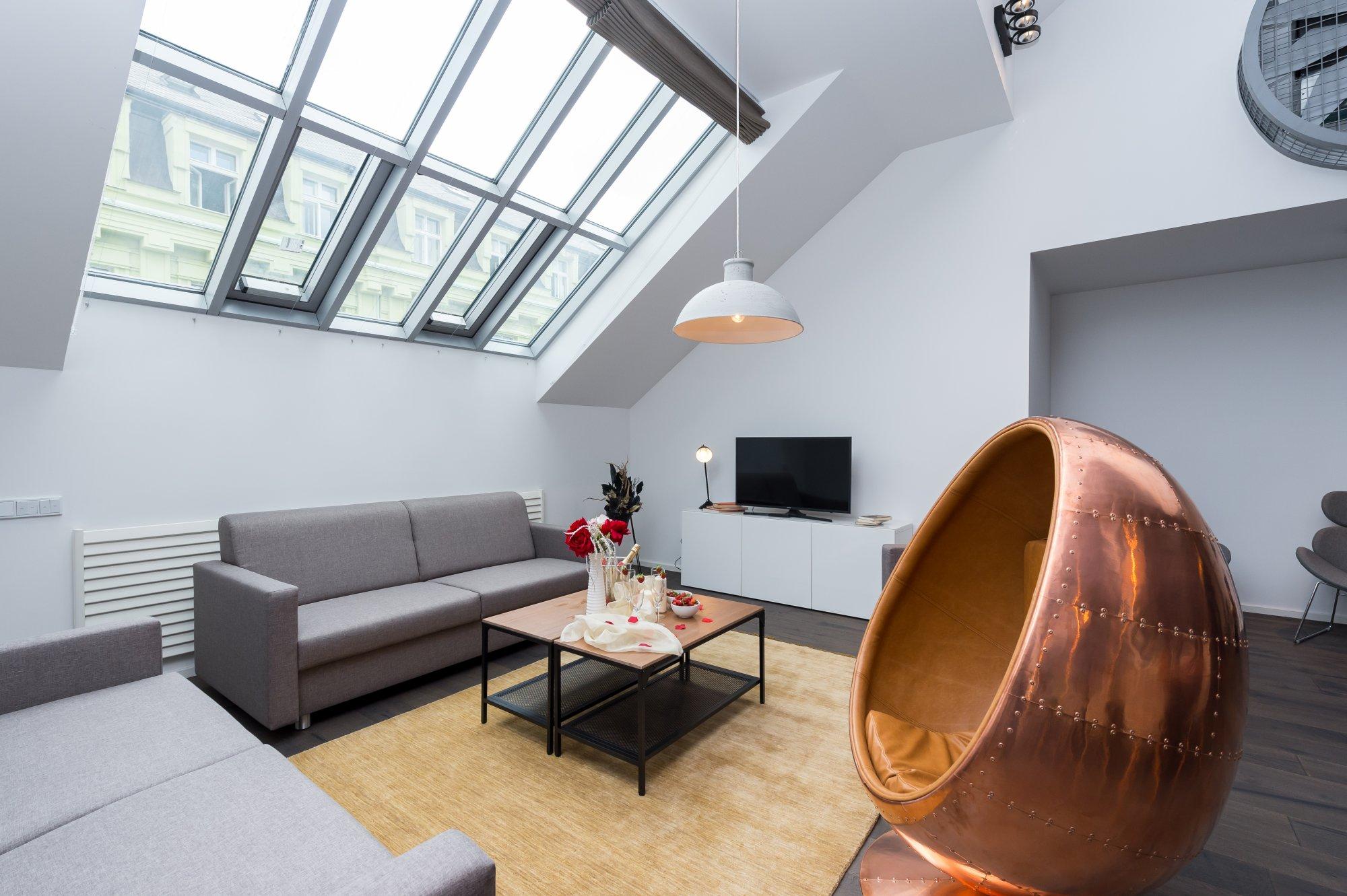 Půdní byt 5+kk, plocha 194 m², ulice Dlážděná, Praha 1 - Nové Město | 1