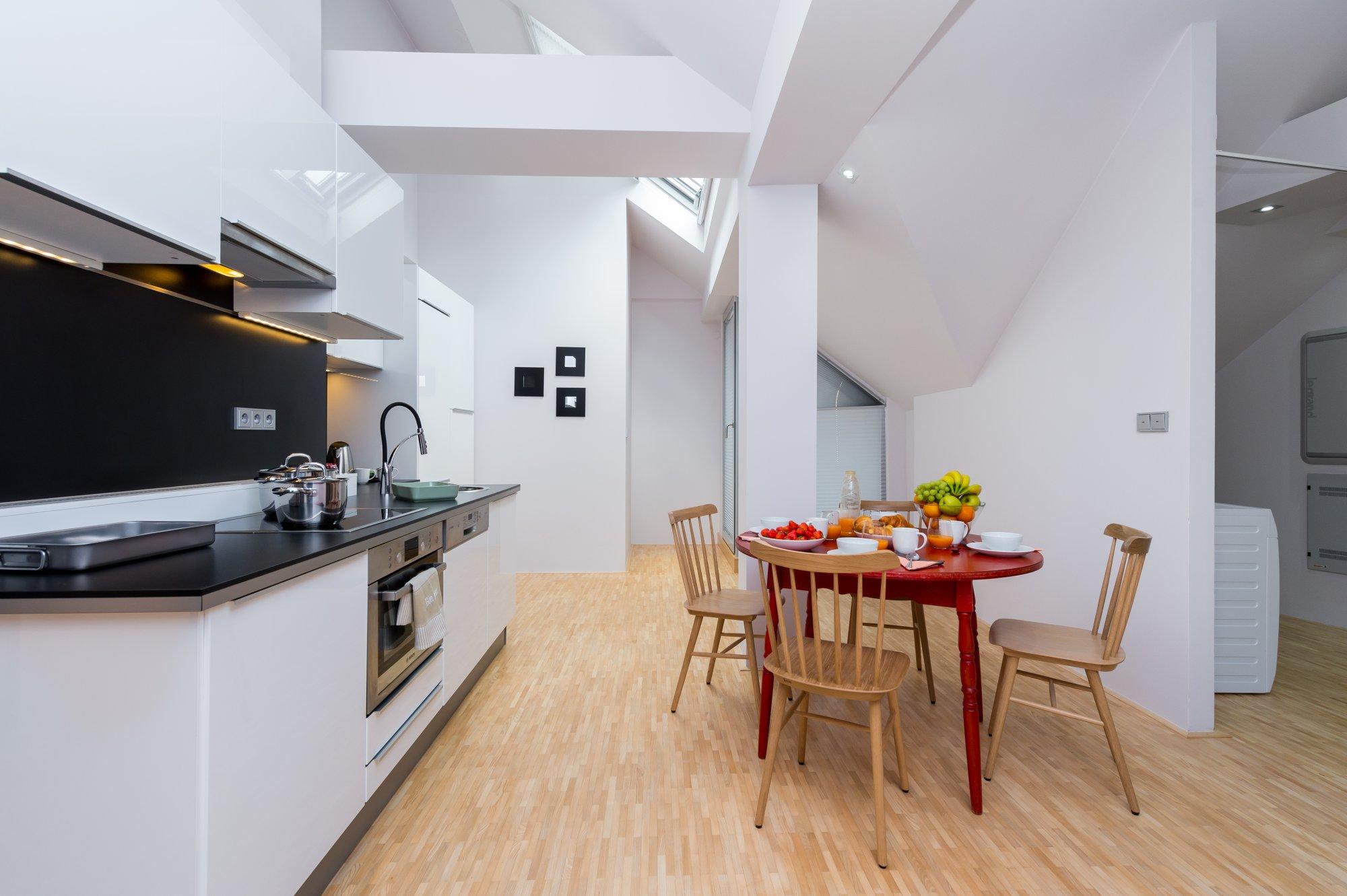 Půdní byt 4+kk, plocha 159 m², ulice Ve Smečkách, Praha 1 - Nové Město | 2