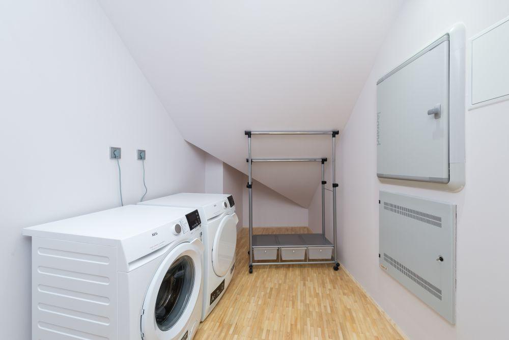 Půdní byt 4+kk, plocha 159 m², ulice Ve Smečkách, Praha 1 - Nové Město | 19
