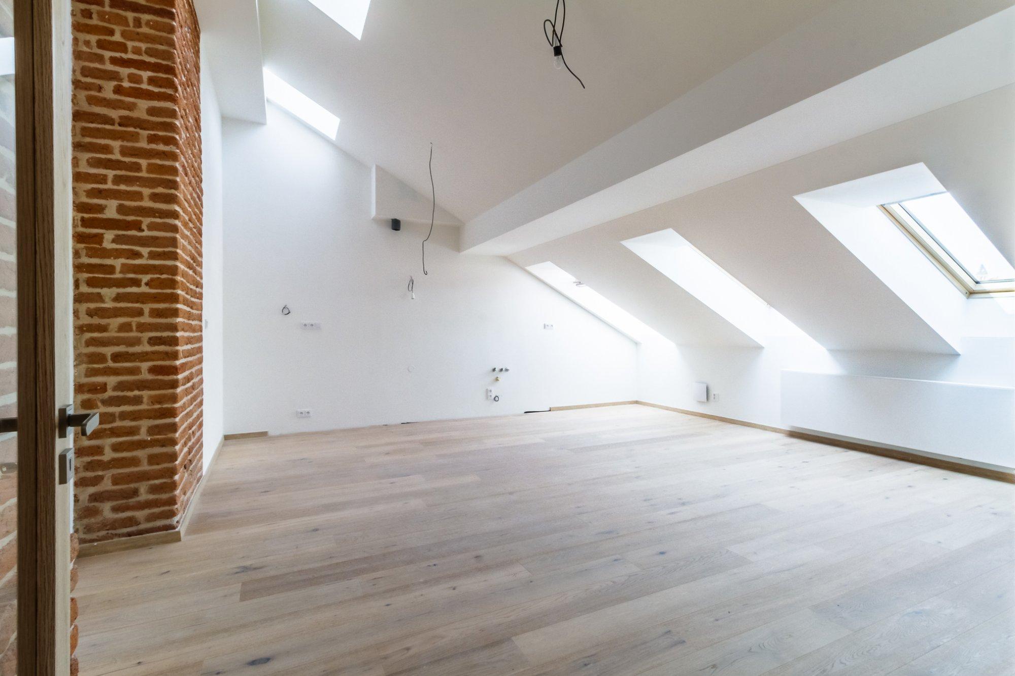 Půdní byt 4+kk, plocha 97 m², ulice Štefánikova, Praha 5 - Smíchov | 2