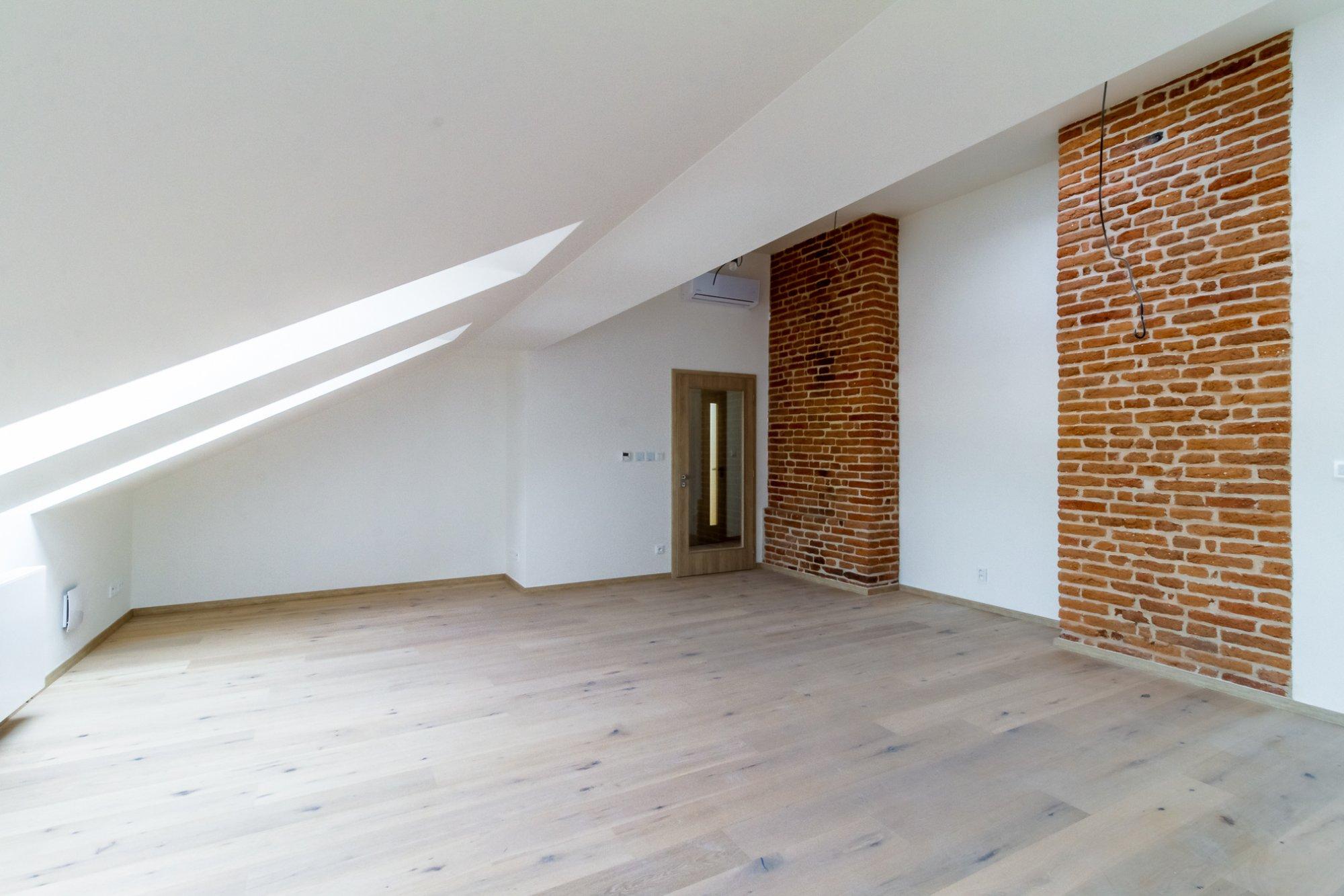 Půdní byt 4+kk, plocha 97 m², ulice Štefánikova, Praha 5 - Smíchov | 3