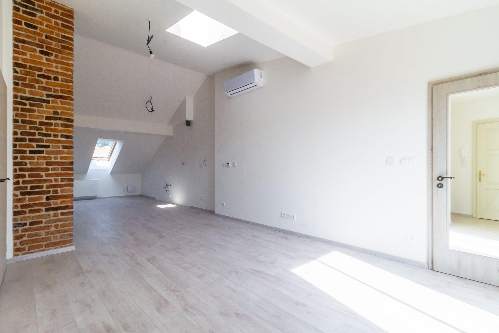 Půdní byt 3+kk, plocha 121 m², ulice Štefánikova, Praha 5 - Smíchov | 2