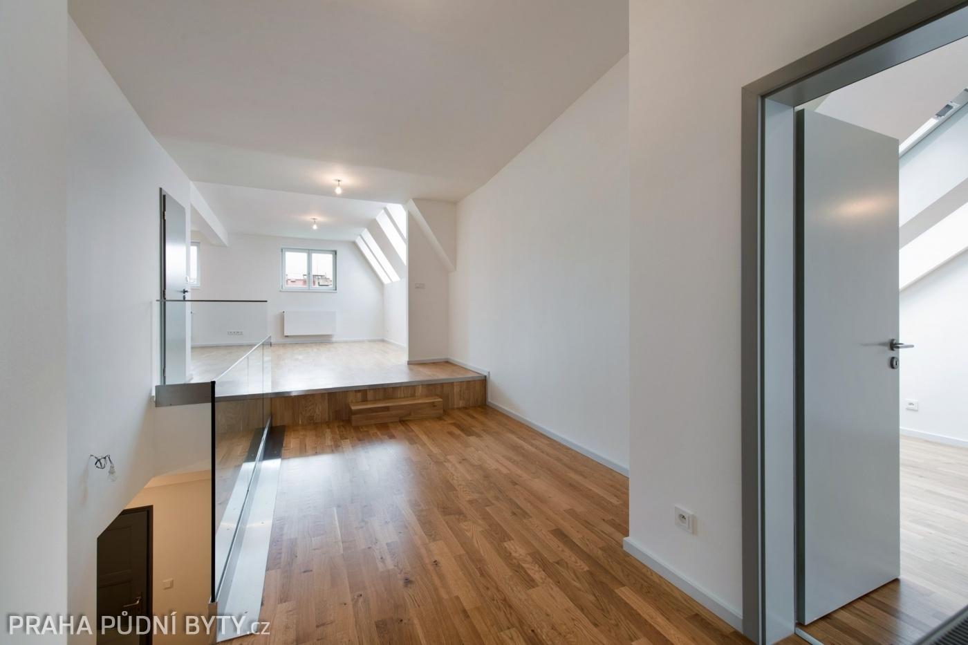 Půdní byt 3+kk, plocha 101 m², ulice Národní Obrany, Praha 6 - Dejvice   2