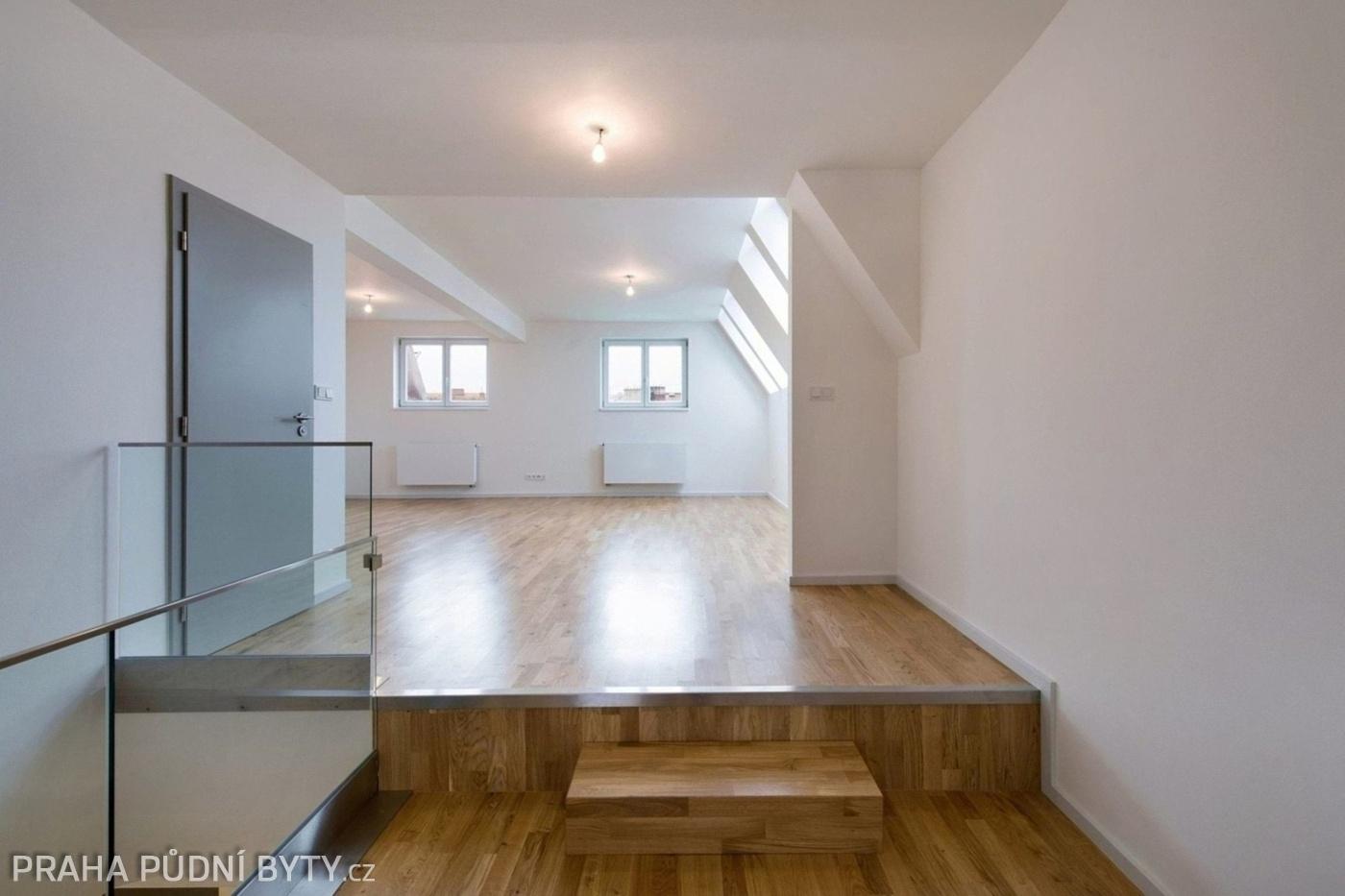 Půdní byt 3+kk, plocha 101 m², ulice Národní Obrany, Praha 6 - Dejvice   3
