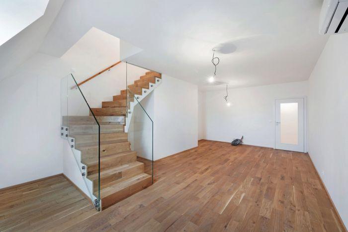 Půdní byt 3+kk, plocha 73 m², ulice Žižkovo náměstí, Praha 3 - Žižkov, cena 6 472 000 Kč | 1