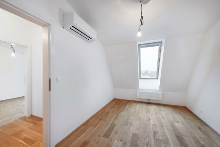 Půdní byt 3+kk, plocha 73 m², ulice Žižkovo náměstí, Praha 3 - Žižkov, cena 6 472 000 Kč | 2