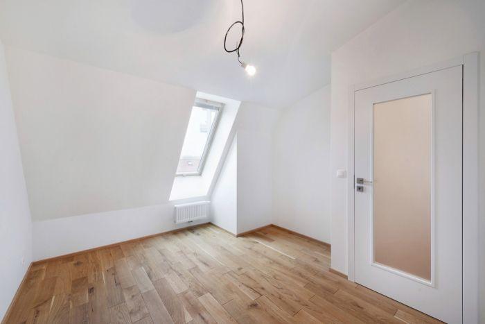 Půdní byt 3+kk, plocha 73 m², ulice Žižkovo náměstí, Praha 3 - Žižkov, cena 6 472 000 Kč | 3