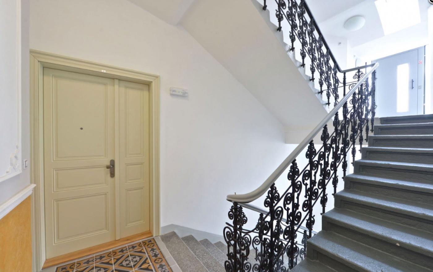 Půdní byt 2+kk, plocha 46 m², ulice Vratislavova, Praha 2 - Vyšehrad, cena 4 665 000 Kč | 2