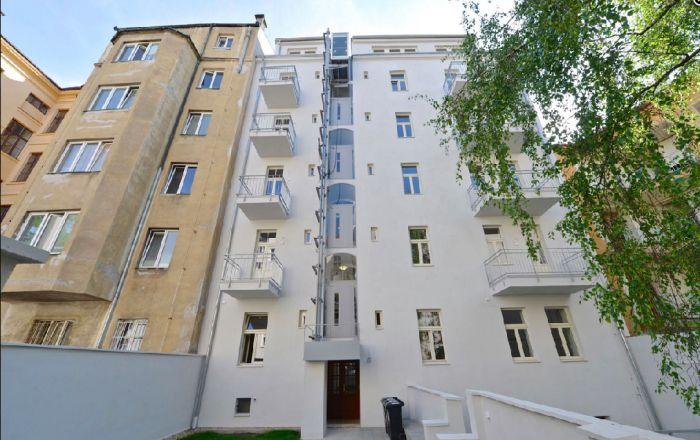 Půdní byt 2+kk, plocha 46 m², ulice Vratislavova, Praha 2 - Vyšehrad, cena 4 665 000 Kč | 1